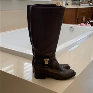 Michael Kors size 10 chocolate brown leather boot